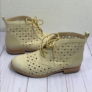 Caterpillar perforated capped toe leather boots